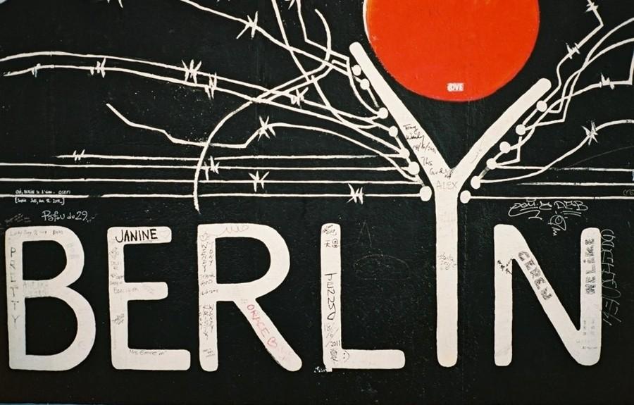 robin,ruth,berlin,souvenir