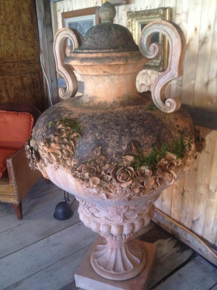 vase en terre cuite patinée, création contemporaine
