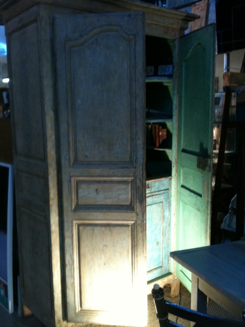 armoire peinture ancienne patinée