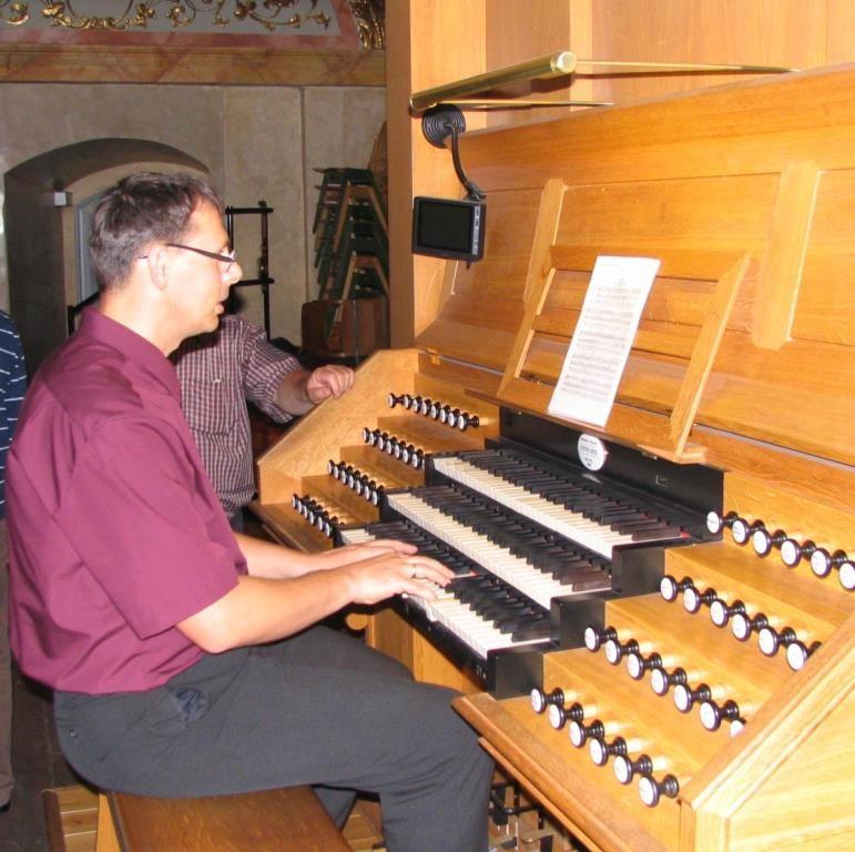 Konzertvorbereitung an der Späth-Orgel in der Jesuitenkirche Wien