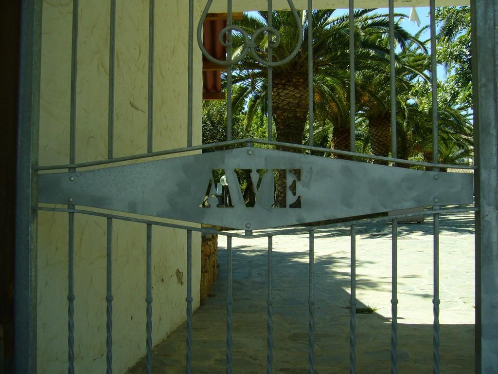 Ave + ?  = Ave Maria (Fundort: Sardinien)