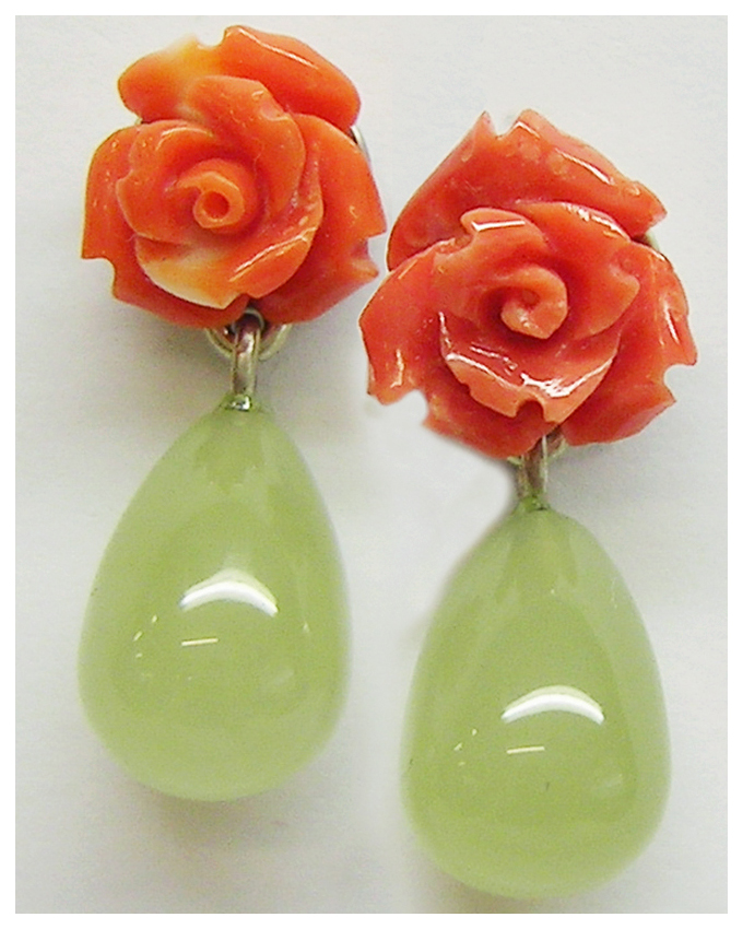 Ohrhänger, als Stecker zu tragen mit Jade Tropfen und Korallen Rösschen