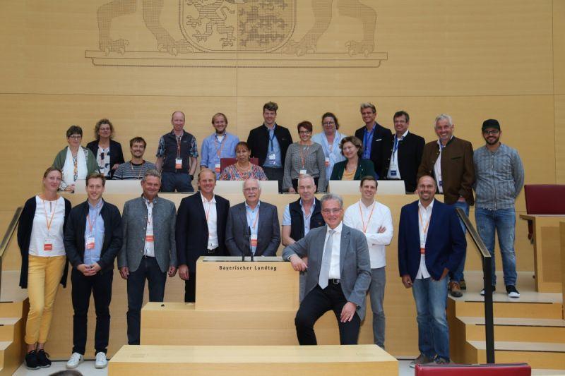 Besuch des Bay. Landtags der Fa. Schotten und Hansen aus Peiting (Foto Dominik Bartl)
