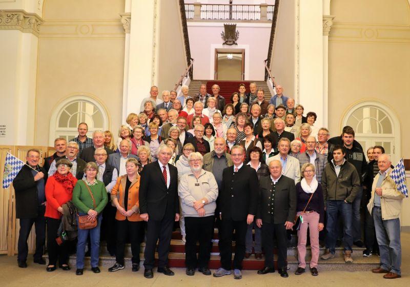 Gruppenfoto mit Besuchern aus dem Raum Dachau (Foto: Fraktion)
