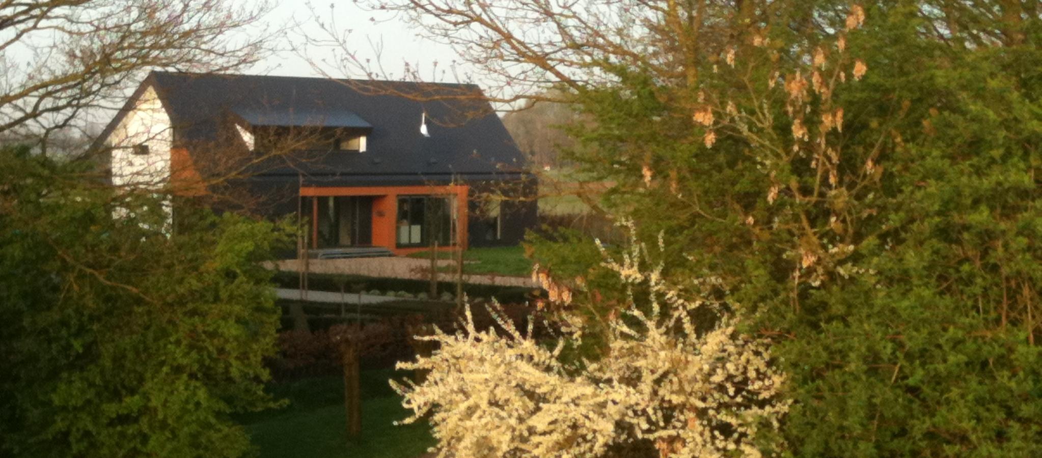 Ons huis vanaf de Benedendijk, Oijen aan Maas