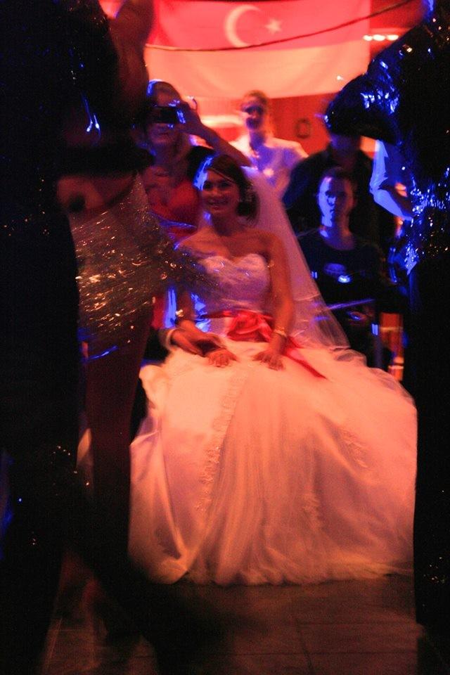 Das Brautpaar begeistert von den gebuchten vier Paaren
