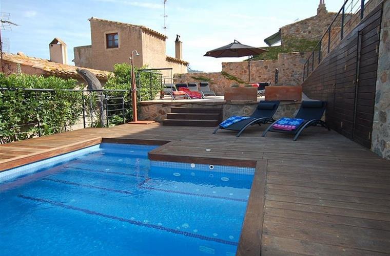 Location maison de village avec piscine privée tossa de Mar