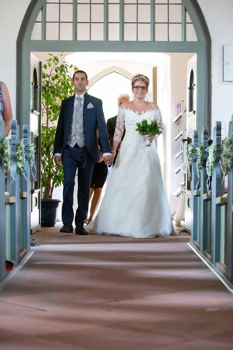 Der Weg zum Altar, Hochzeitsfotograf, Hochzeitsfotografin, Hochzeitslocation Golfresort Gernsheim, Golfparkallee 1, 64579 Gernsheim