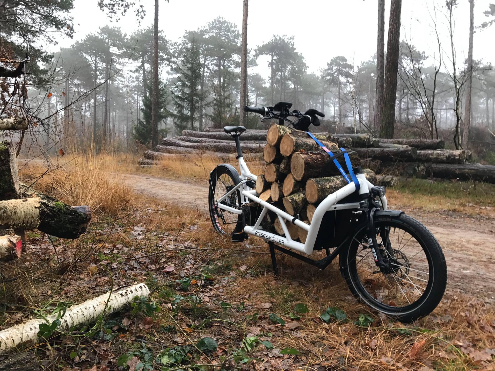 """""""Oft habe ich gar nichts zu transportieren. Lastenrad fahren macht auch ohne Ladung wahnsinnig viel Spaß. Wenn es dann doch etwas zu transportieren gibt, bin ich der King auf der Straße"""" - Thorsten Larschow"""