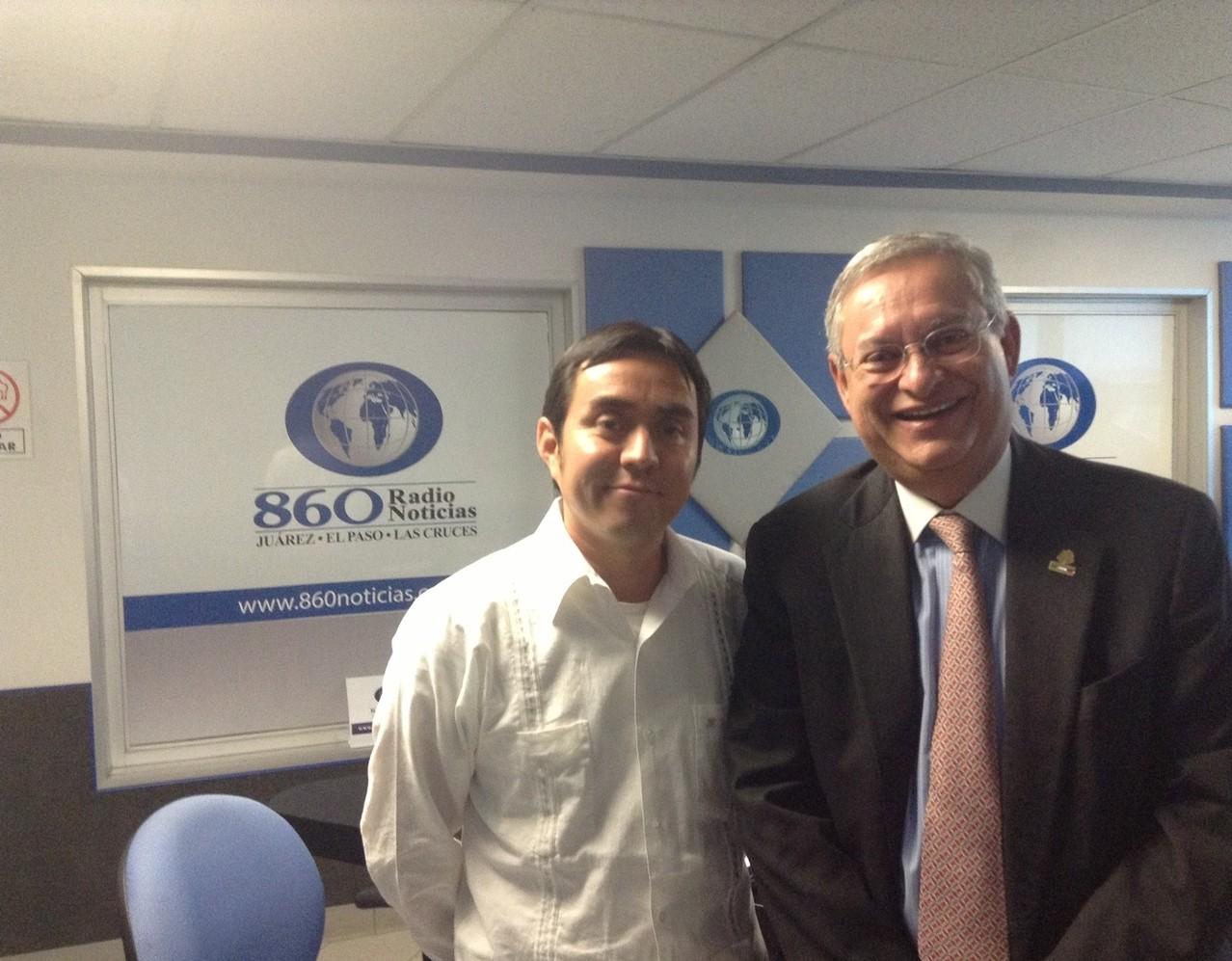 Con el Diputado Federal, Carlos Angulo, 2013.
