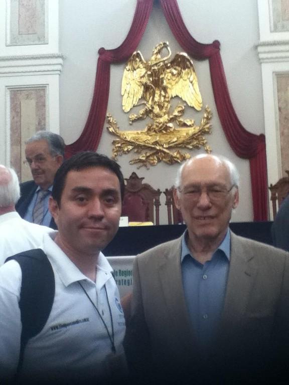 Con Rodolfo Stavenhagen, uno de los mejores sociólogos del planeta.