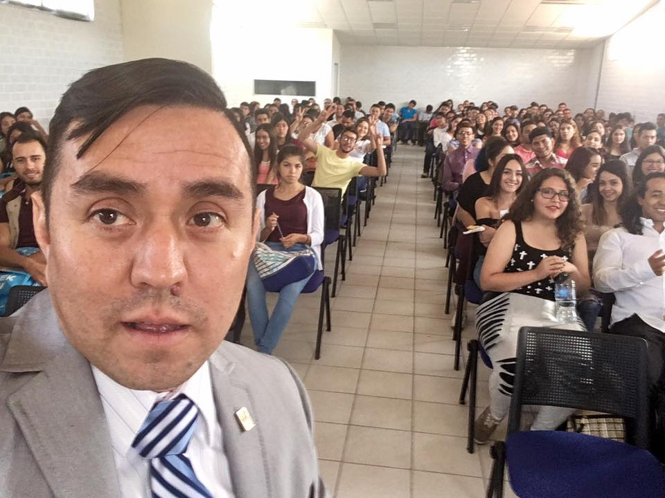 Conferencia en CUCI de la UdG, abril, 2017.