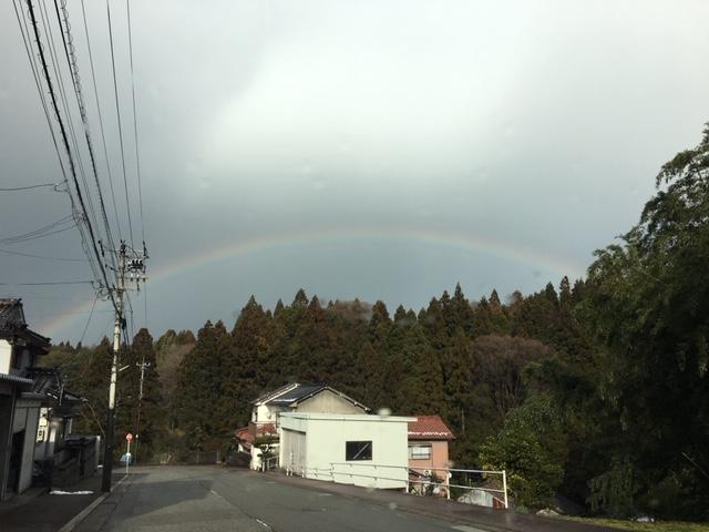 能登町 大脇昆布付近の虹