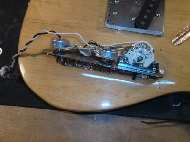 Electrónica nueva (como la original con potes Cts)