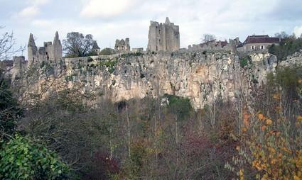 Angles-sur-l'Anglin le château
