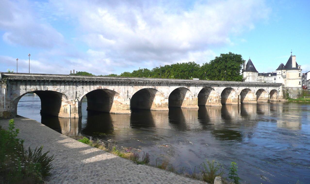 Châtellerault, le pont Henri IV
