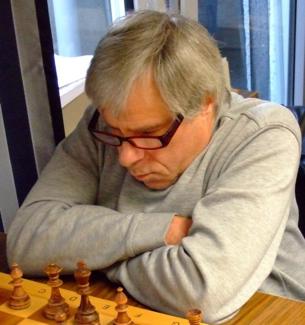 Remiskönig Dr. Ludwig Maibaum führte seine Mannschaft nach einem Fehlstart noch zu Vizemeisterschaft und Aufstieg (Foto: A. Obdenbusch)