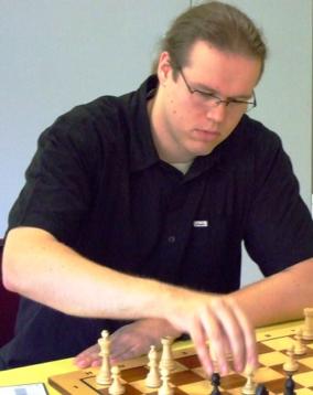 Dominik Stotten legte das Fundament des ersten Mannschaftspunkts (Foto: A. Obdenbusch)