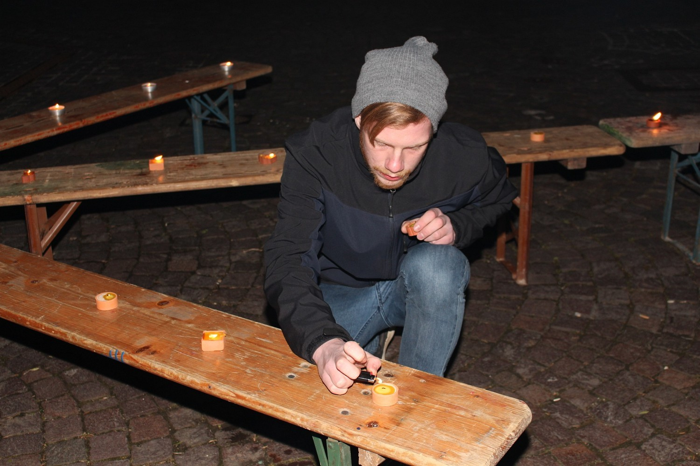"""Foto: Rainer Hauenschild: Lichtinstallation """"Lichtpfeil"""" der Pfadfinder Plochingen"""
