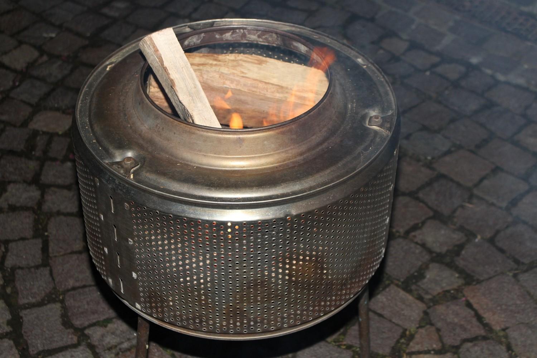 Foto: Rainer Hauenschild: Upcycling Feuerkorb aus einer ausrangierten Waschtrommel
