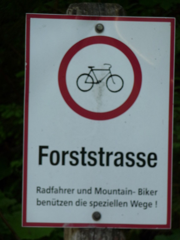 Ein in Österreich verbreitetes  Schild..........