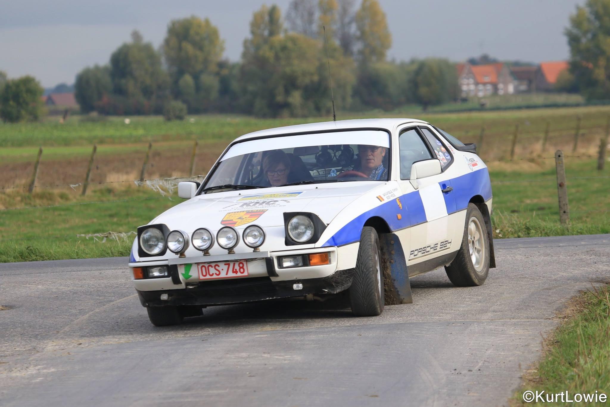 1051 -Porsche - 924 - 1982