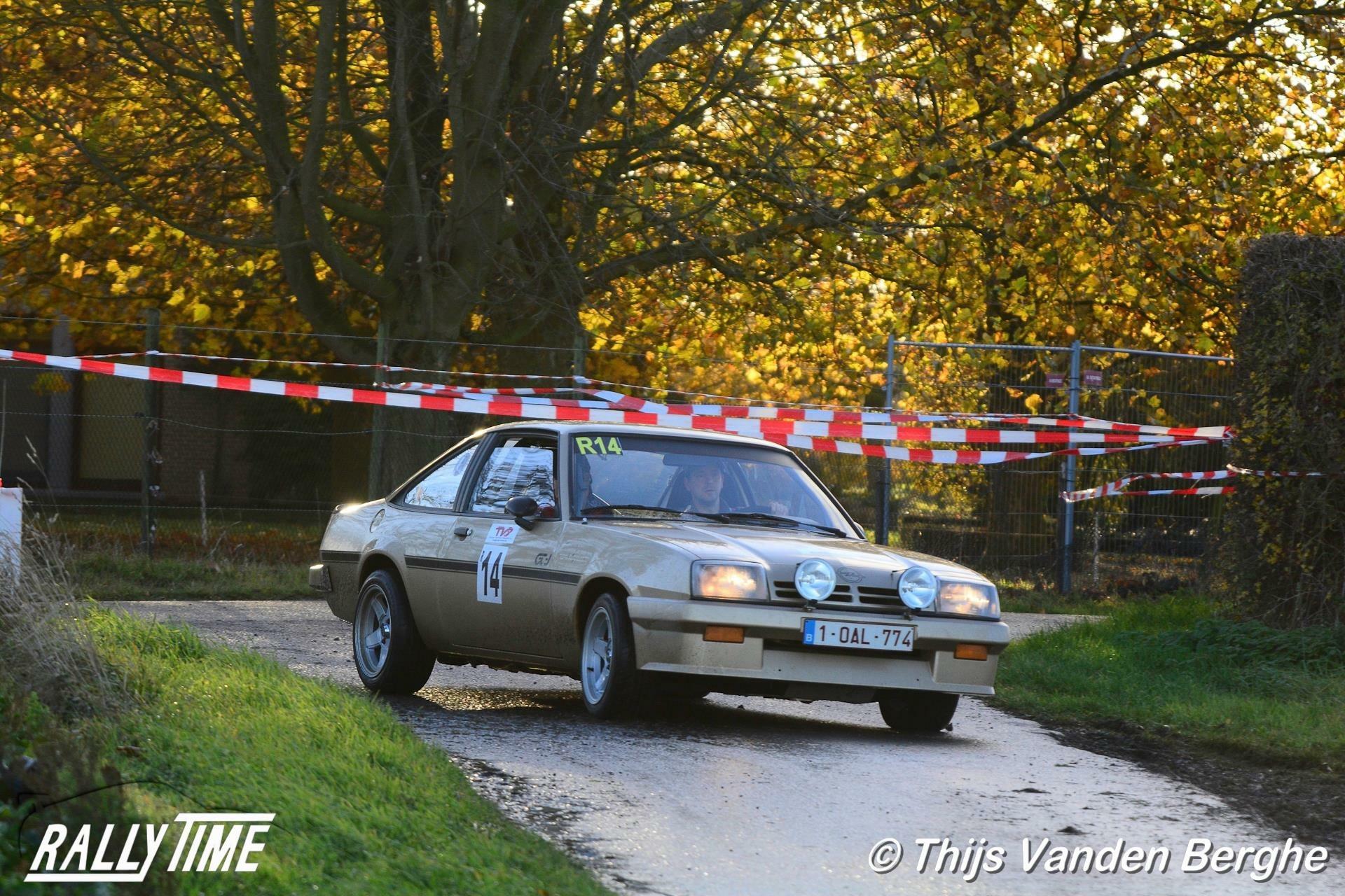 1040 - Opel - Manta - 1982