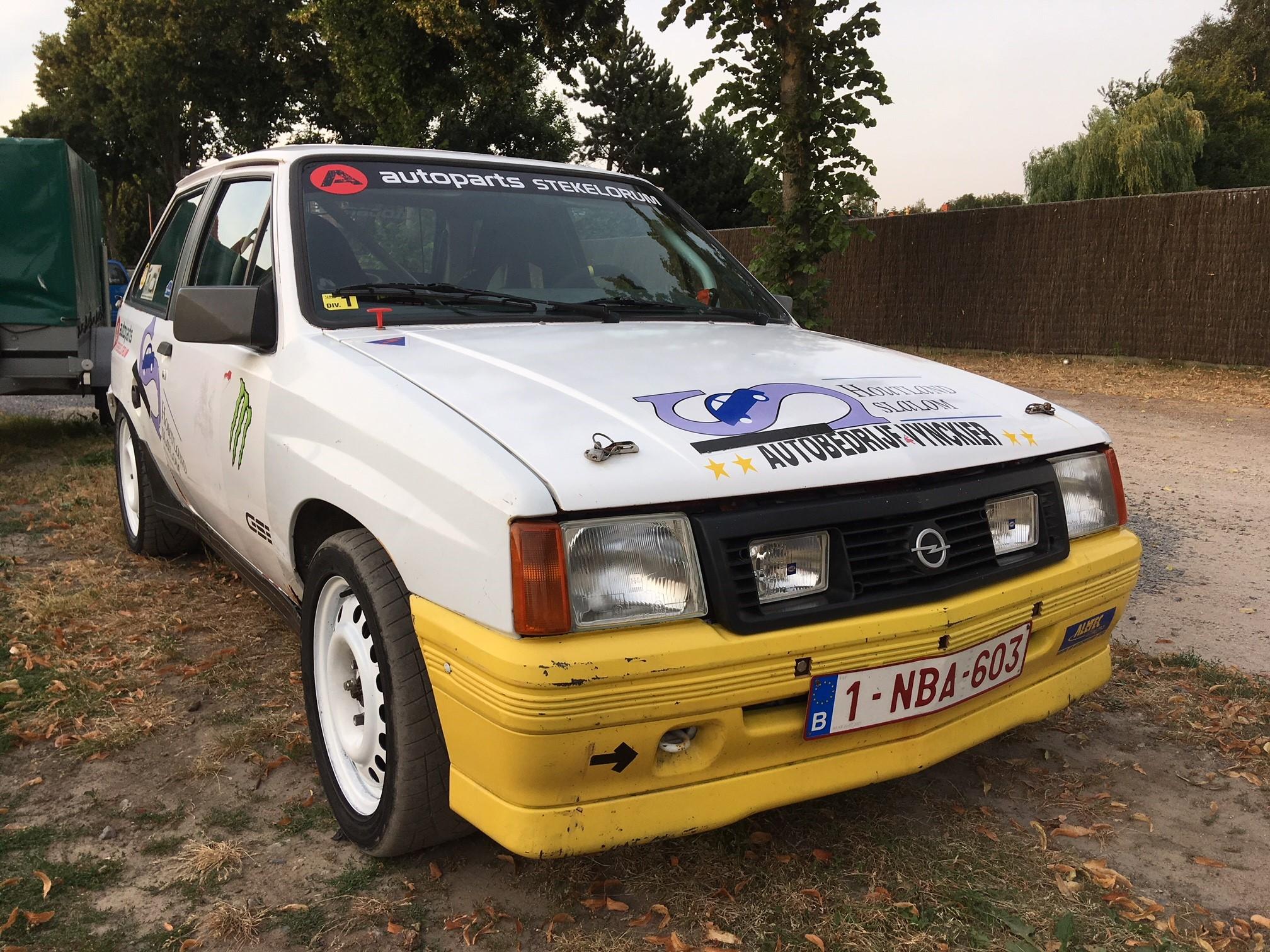 1041 - Opel - Corsa - a GSI - 1990