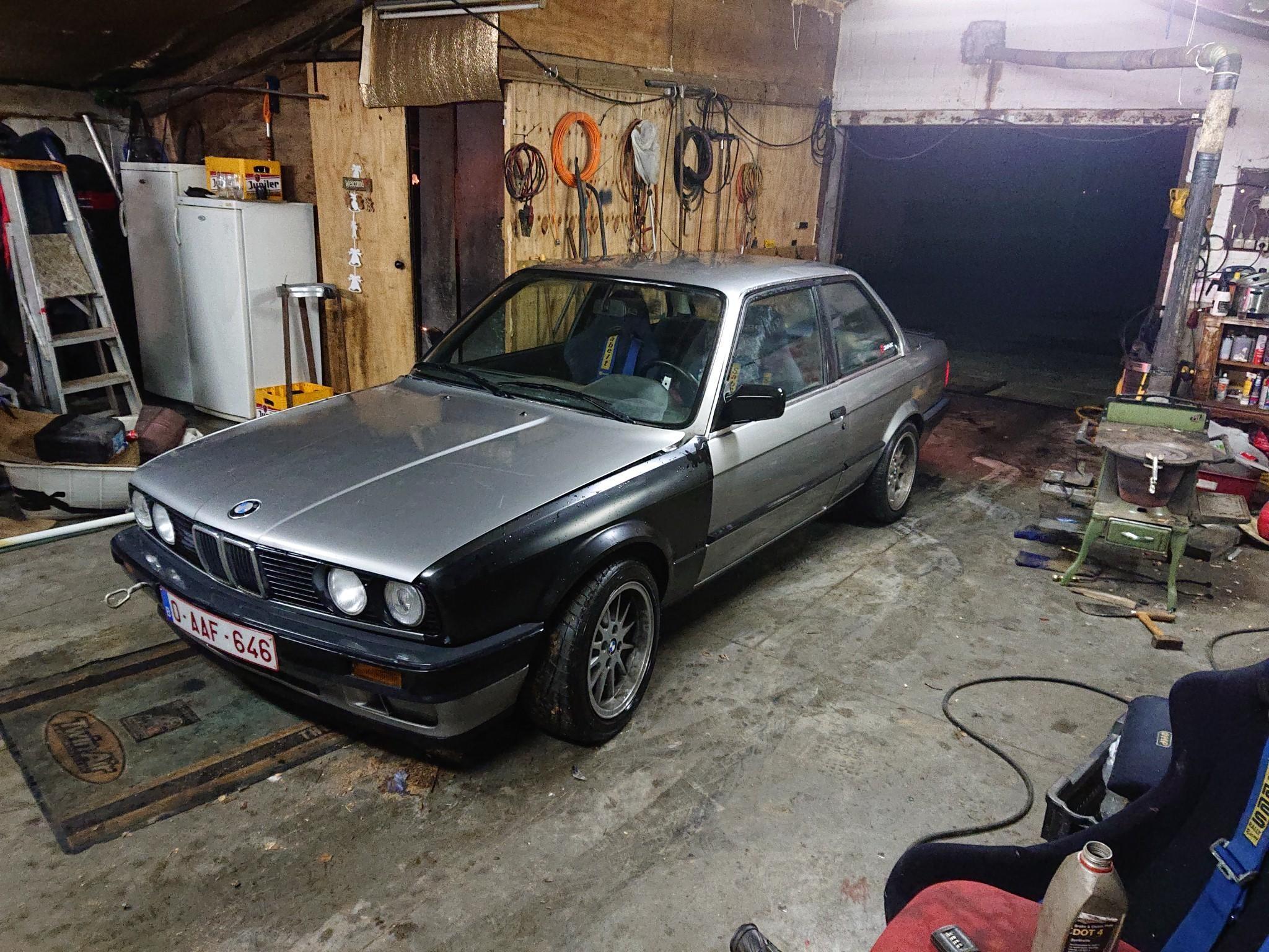 1076 - BMW - E30 - 1988