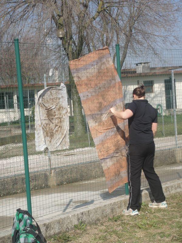 Tücher, halten am Zaun durch den Dauerwind