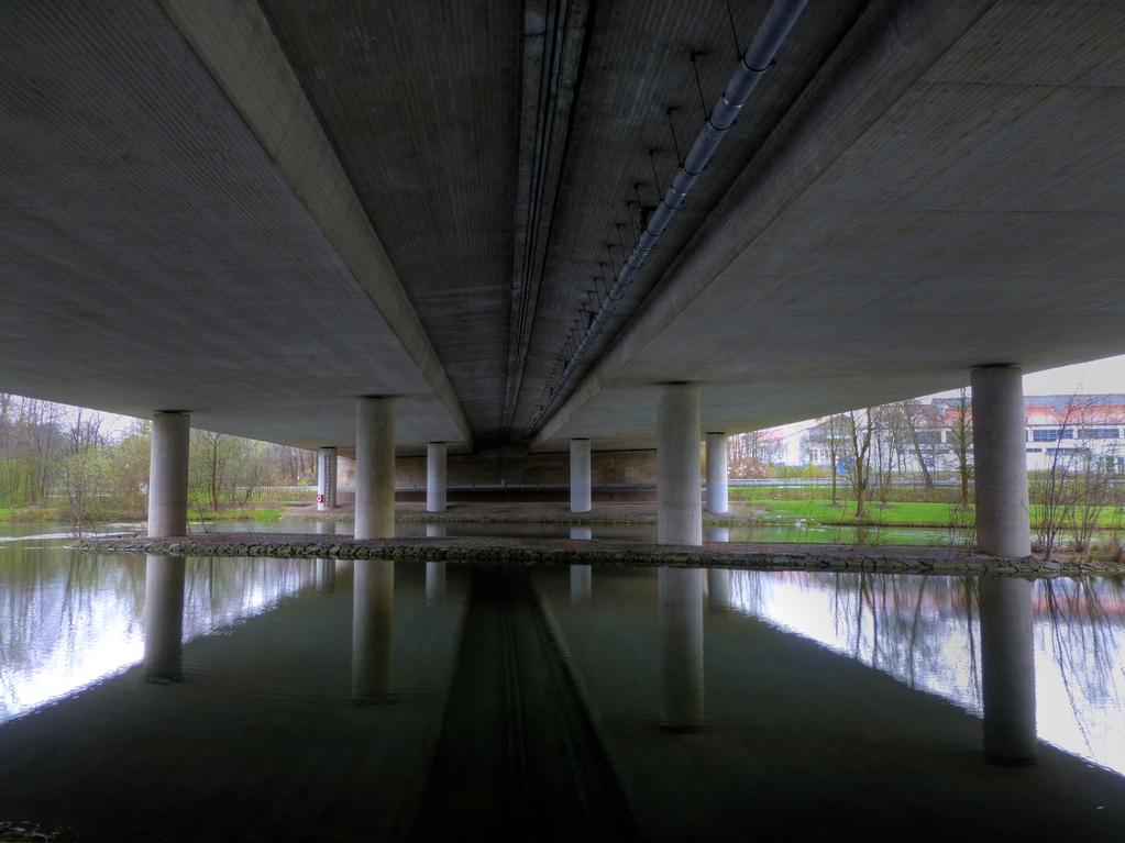 Autobahnbrücke (HDR)