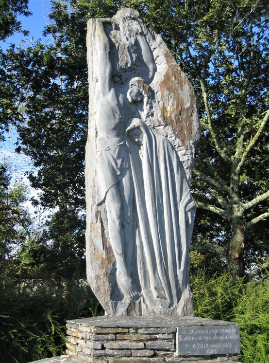 Menhir-Piéta à Bouvron - J.Fréour