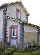 chainage d'angle d'une maison de garde barrière SNCF