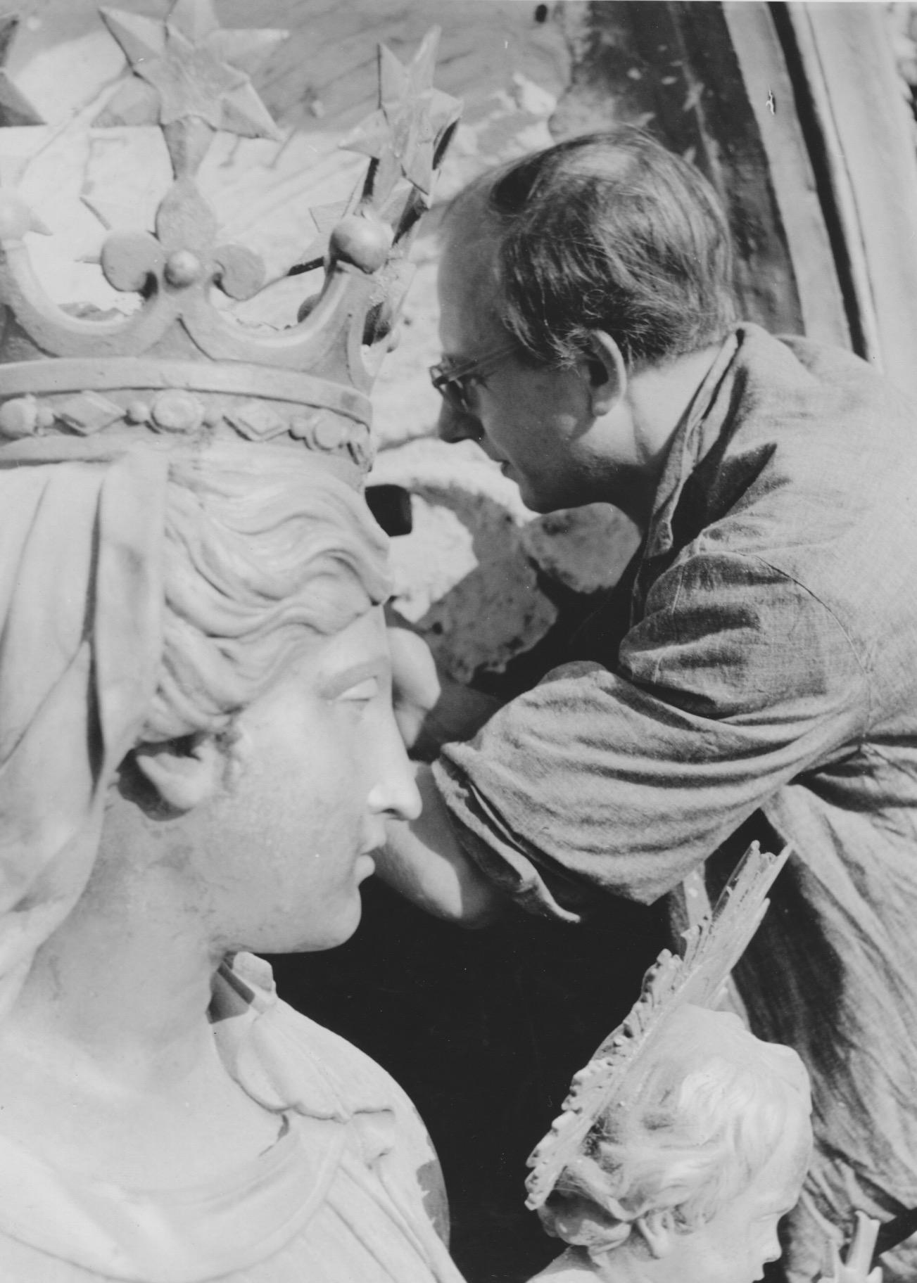 JH als sakraler Bildhauer