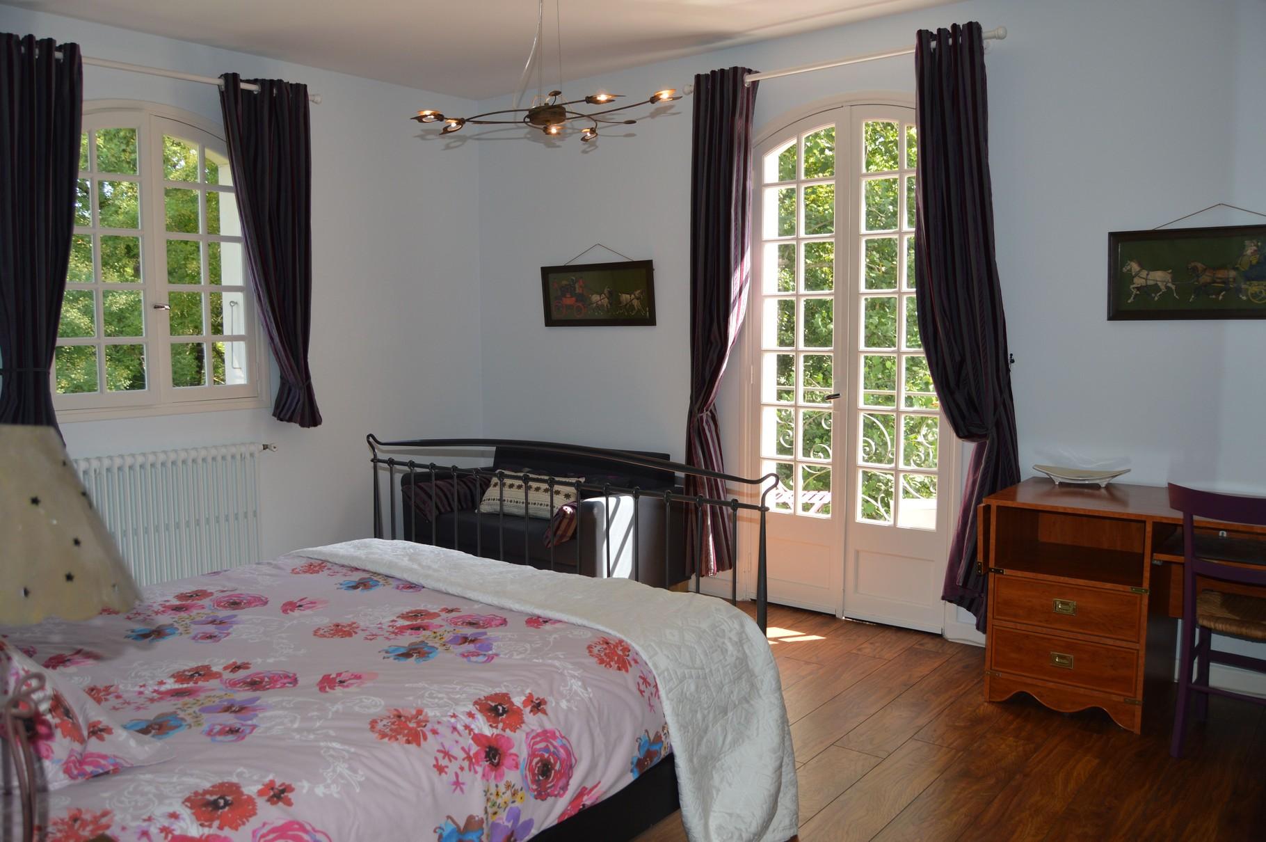Maison chambres chambres d 39 h tes l 39 escal re for Rochefort chambre d hotes