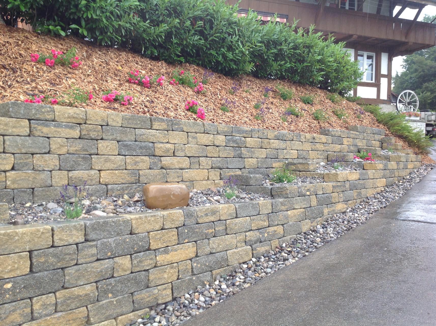 Betonmauerstein Weinbergmauer Verzasca
