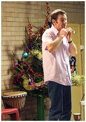 Jean-Paul Levasseur conteur lors du goûter de noël à Musidanse école de danse, Douvrin Nord Pas de Calais