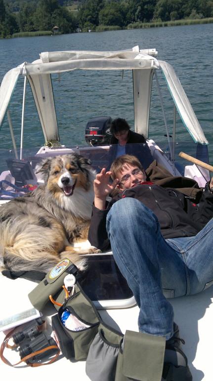 auf dem Boot beim Fischen