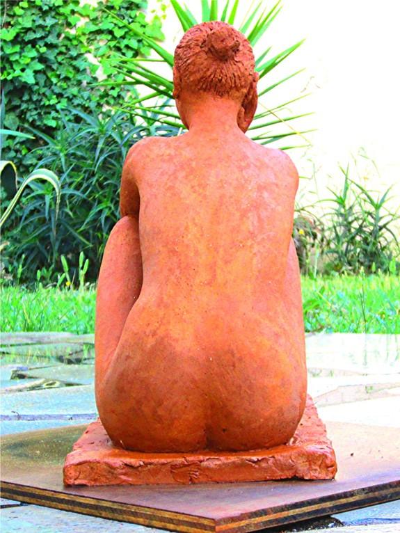 sculpture femme nue assise étude de nu féminin en argile nouveausculpteur