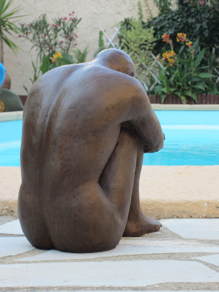 """l'homme assis"" sculpture argile 2013"