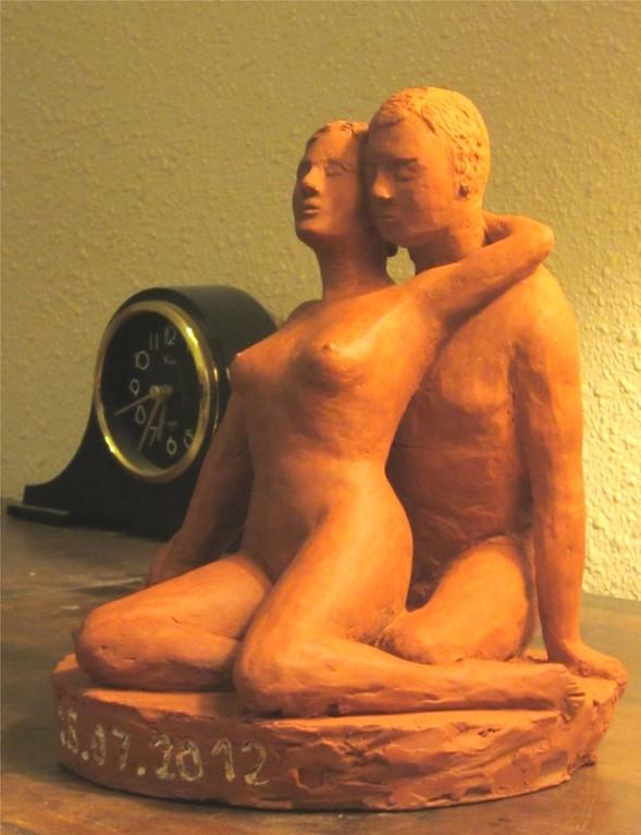 sculpture femme nue, couple nu en terre cuite,sculptures érotiques.