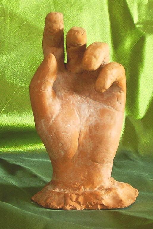 sculpture terre cuite d'une main.nouveausculpteur.