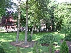 Das Außengelände des Wohnheims in Altenwahlingen
