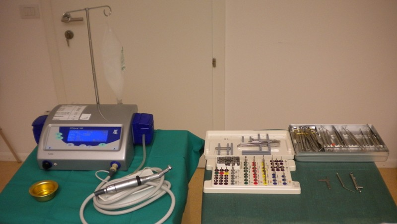 Sterile Geräte auf sterile Tücher