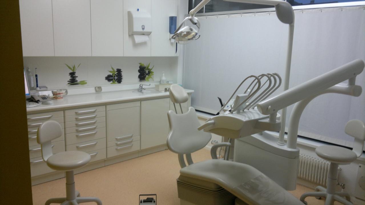 Behandlungsstuhl 3 Mundhygiene