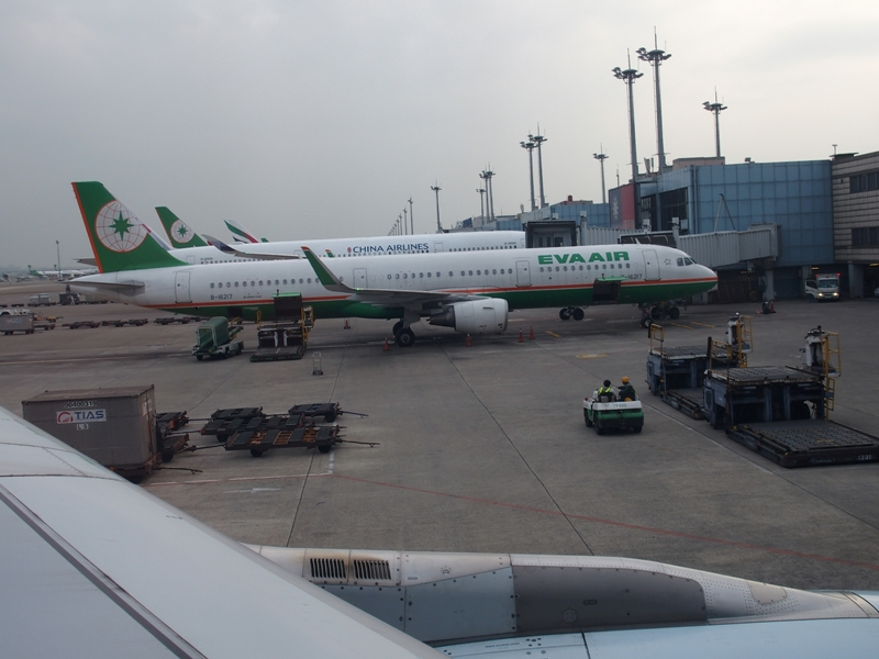 桃園国際空港を離陸 キャセイパシフィック航空(510便)