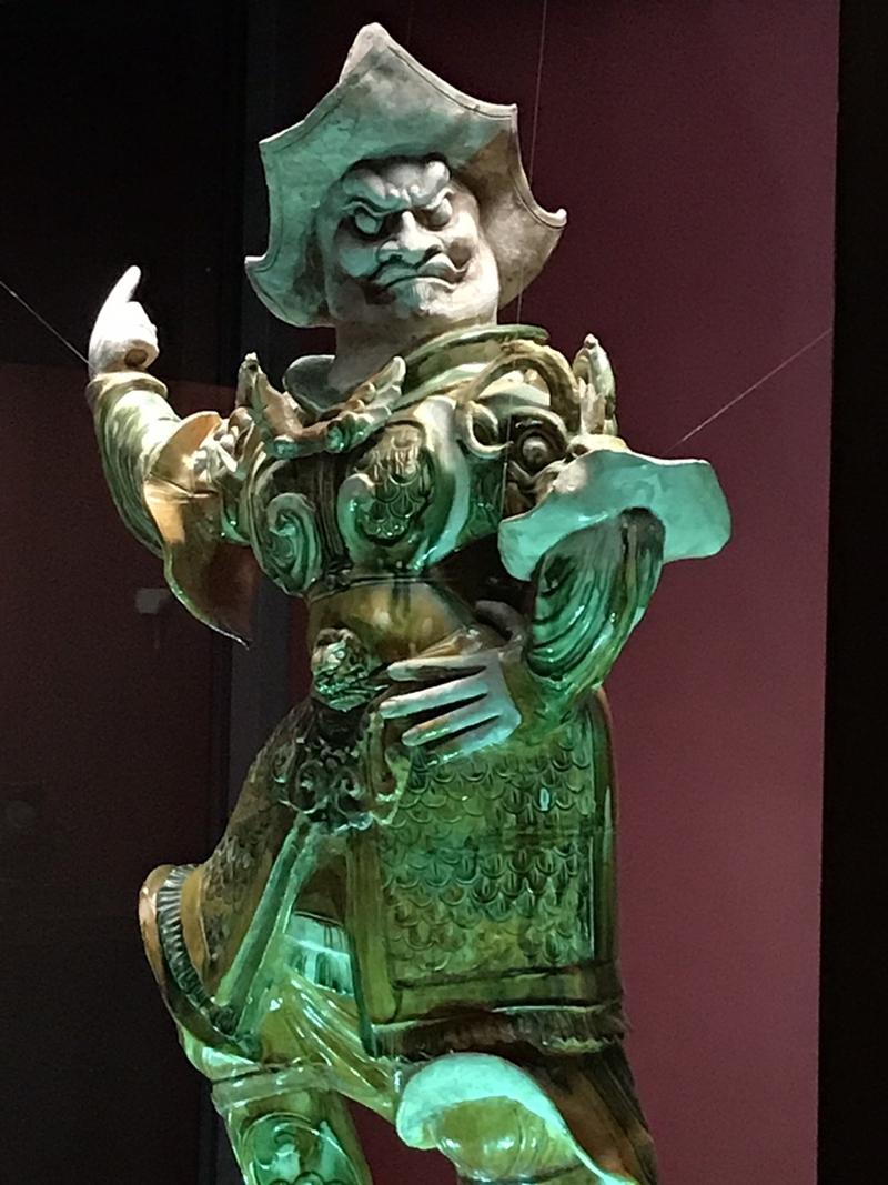 三彩天王像(佐藤栄作元首相が蒋介石元総統の誕生日に贈ったもの)