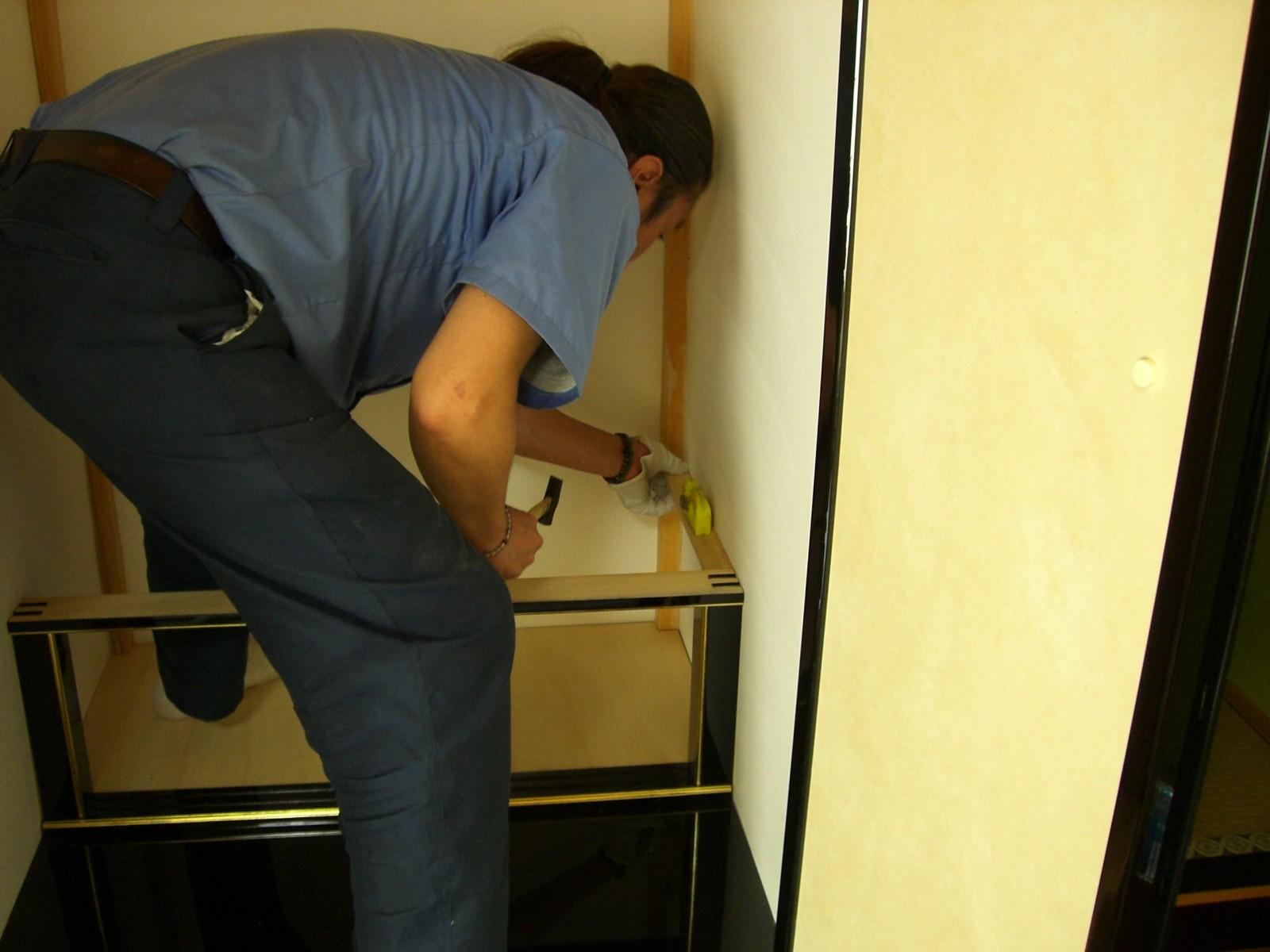 造作仏壇・地袋天板を取り付けるための下地づくり