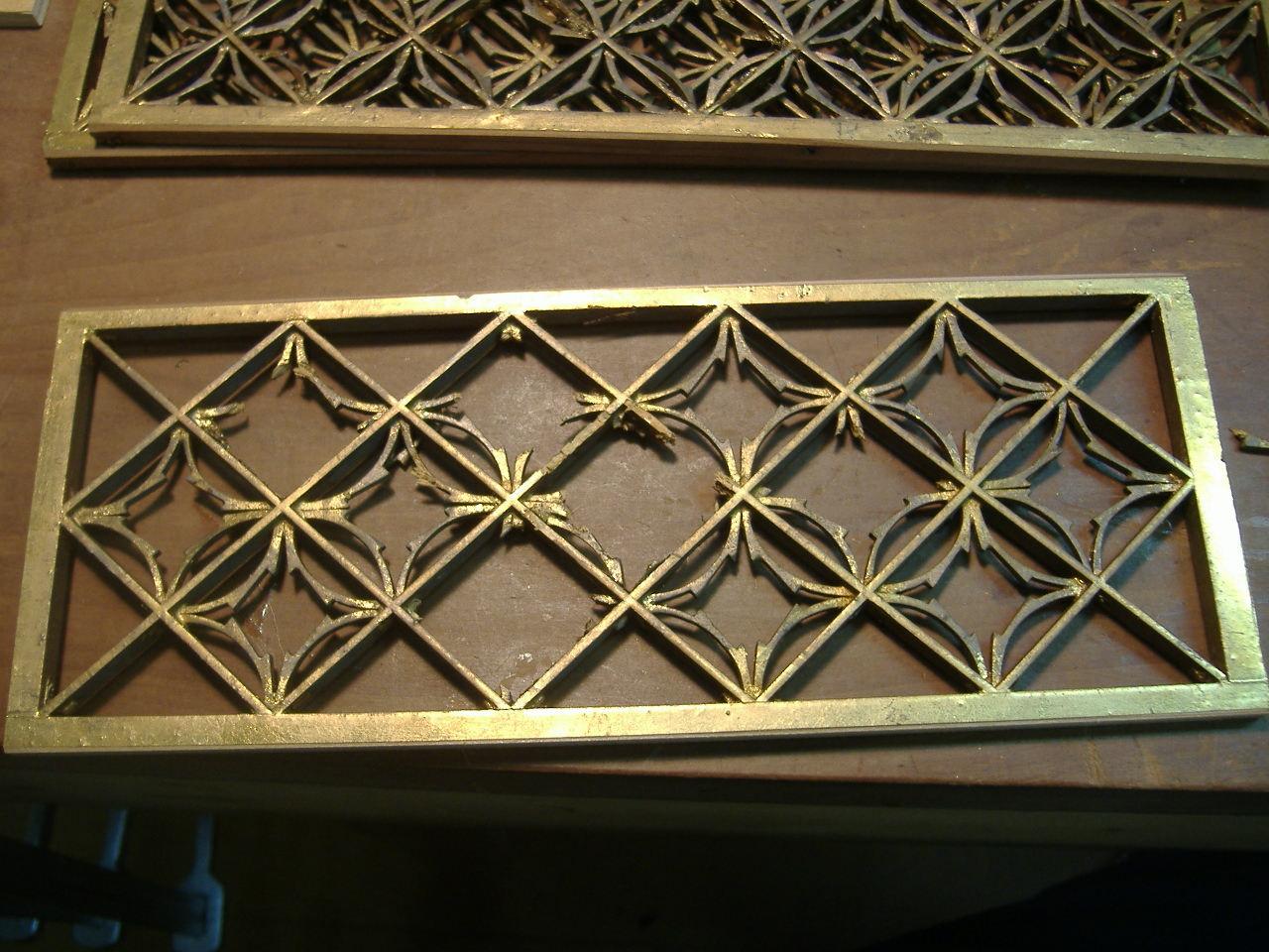 仏壇洗濯・修理 細かい部品が紛失していますが、多い時は100個以上作ることにもあります。