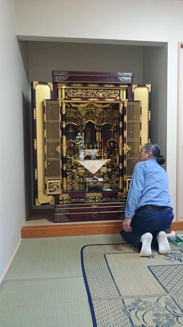 お仏壇の引っ越し完了。仏具の飾り付けまでさせていただきます。